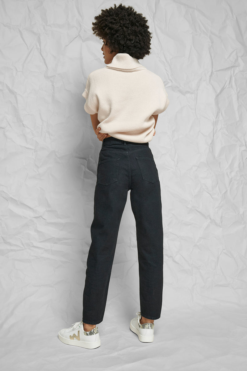 High Rise Tapered Mom Jeans