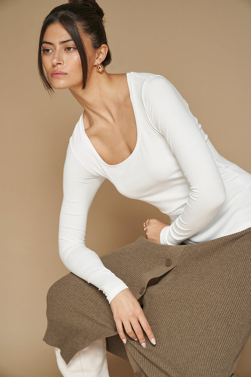 Basic Scoop Neck Ribbed Top