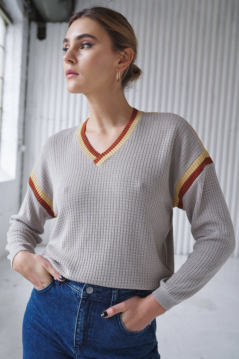 Contrast V-Neck Oversized Jumper