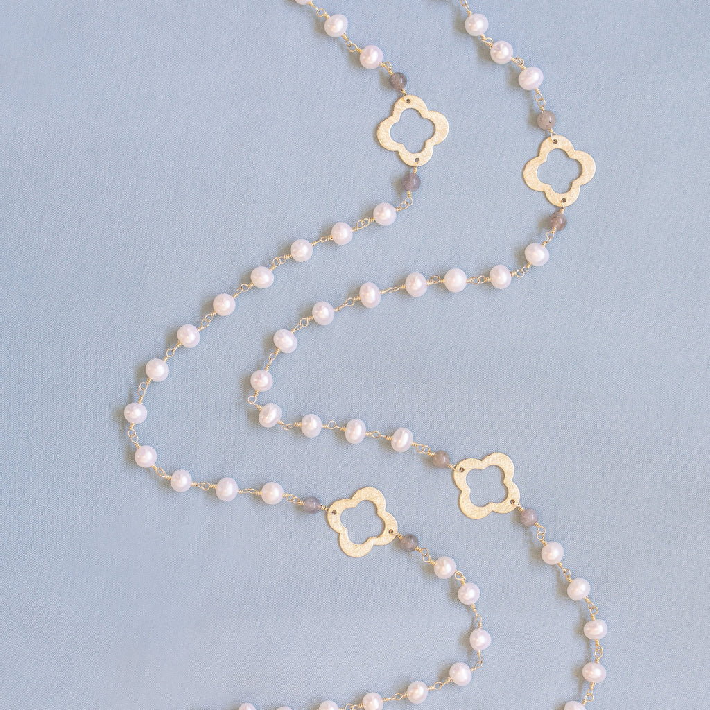 Gold Clover Necklace with Pearl Chain (Long) - Lulu B Jewellery