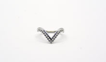Load image into Gallery viewer, Sterling Silver Vixen Ring