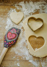 Load image into Gallery viewer, Spatula & Heart Shaped Cookie Cutter