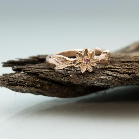 14ct rose gold starfish and daisy ring.