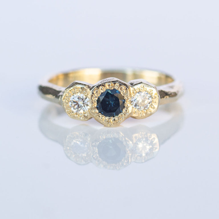 Torci ring- 9ct yellow gold, sapphire and white diamonds