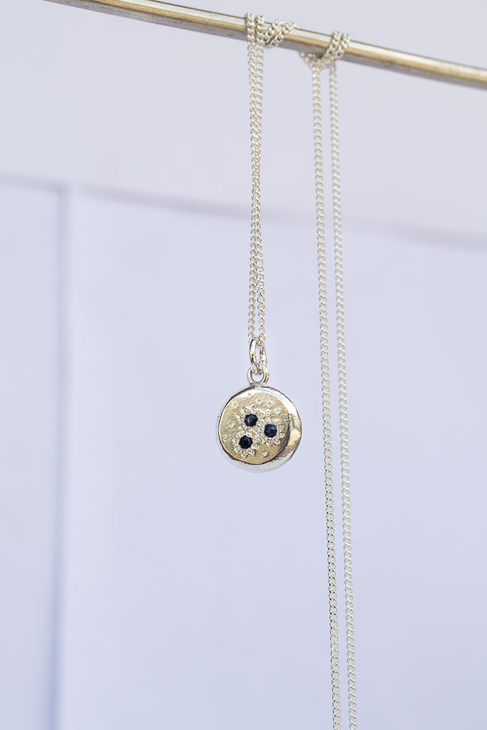 Constellation pendant with three sapphires