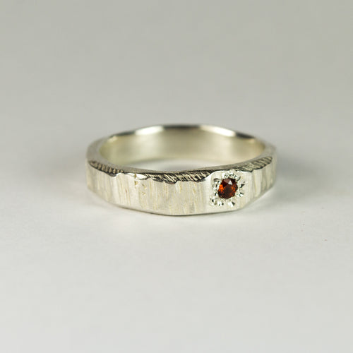 Narrow Bark Ring in Sterling Silver with Thai Garnet - Sophie Divett Jewellery - ring - 1