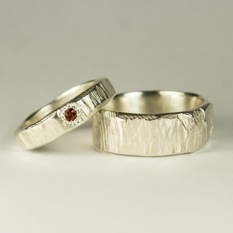 Narrow Bark Ring in Sterling Silver with Thai Garnet - Sophie Divett Jewellery - ring - 2