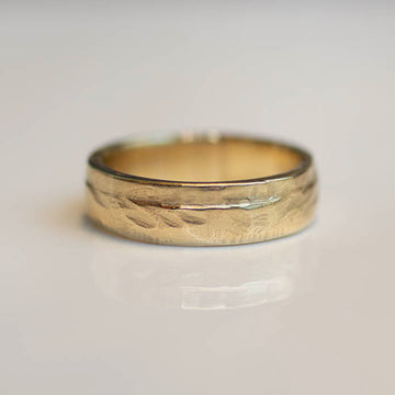 Circle Pendant - Large - 9ct Yellow Gold with White Recycled Diamonds