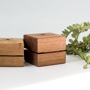Rimu ring box for two rings
