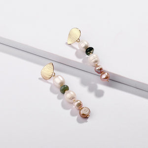 2020 New natural freshwater shell pearl earrings
