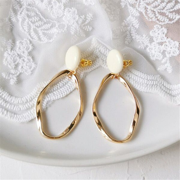 women Fashion metal pendant earrings