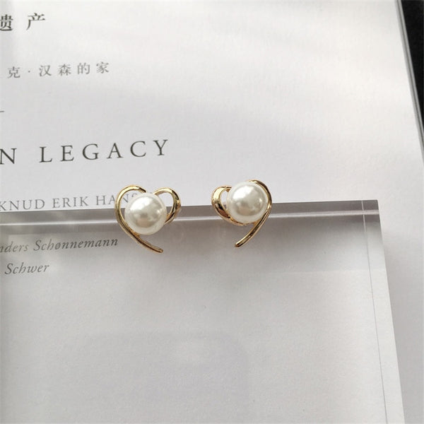 New Design Gold Color heart Pearl Stud Earrings