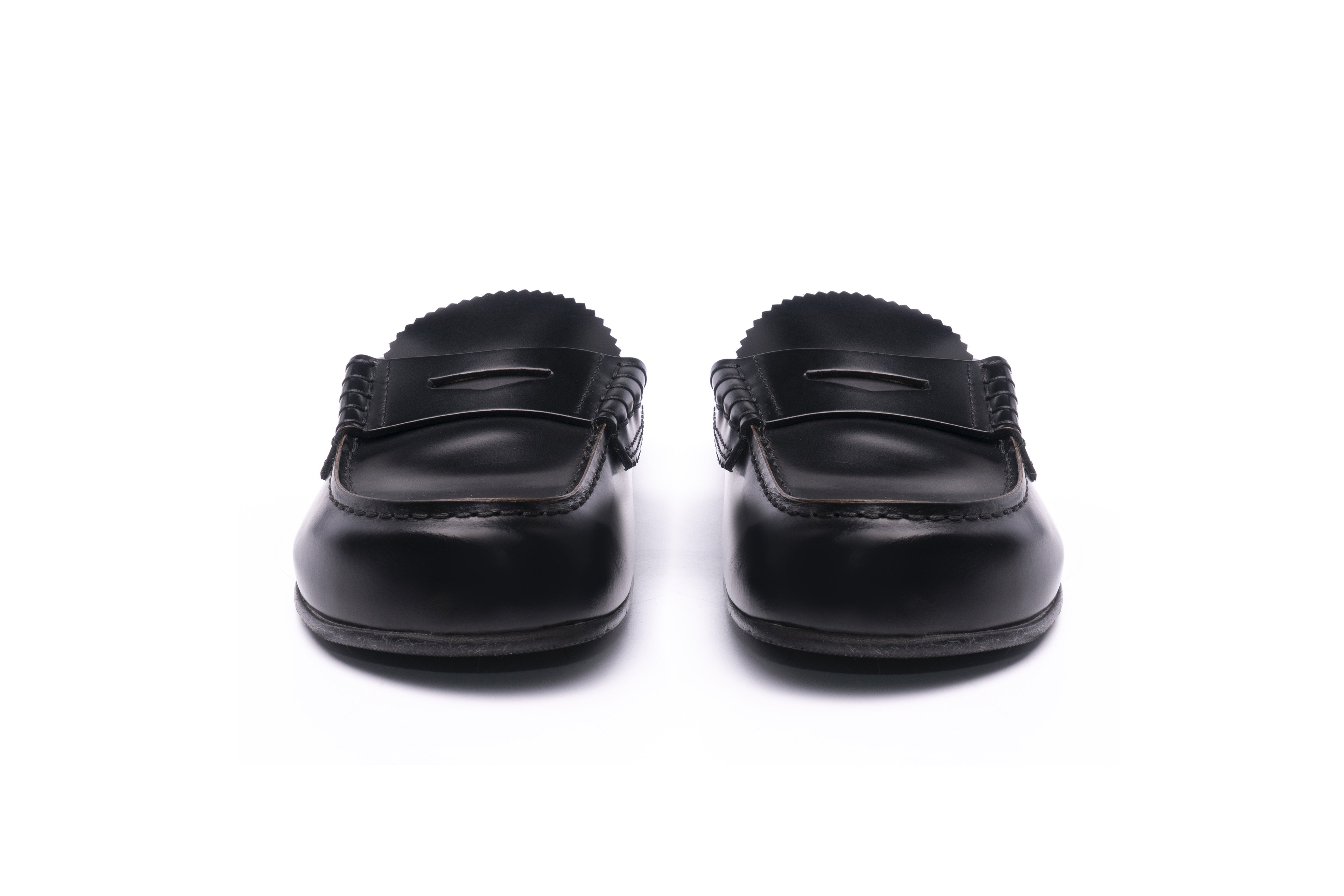 MG1389A BLACK LEATHER - Collegemoccassin