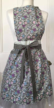 Load image into Gallery viewer, Apron - Floral pastel tones - Kitsch-ina - Retro style pinny