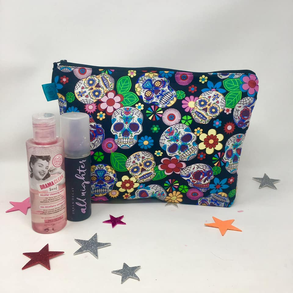 Make Up Bag - Large size - Dawny's Sewing Room - Sugar Skull fabric Zip up Pouch