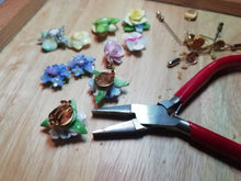 Load image into Gallery viewer, Vintage China Flowers Ring - Urban Magpie - statement china jewellery
