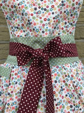 Load image into Gallery viewer, Apron - Floral Ditzy - Kitsch-ina