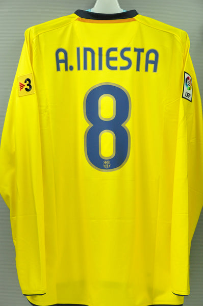 buy online 51f2e a8879 Barcelona Andrés Iniesta # 8 Away Jersey 2009 Long Sleeves Spanish League  official name and numbers