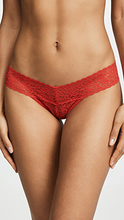 Load image into Gallery viewer, Hanky Panky Signature Lace Low Rise Thong - Lily Brooklyn