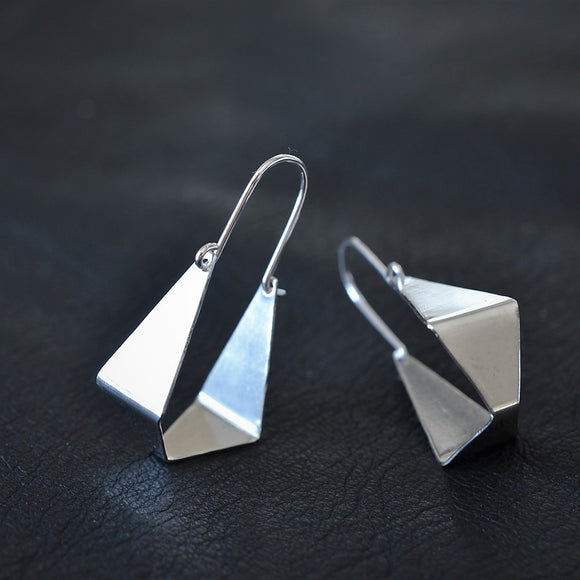 Love Winter - Geometric Swings Silver