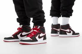 JORDAN 1 RETRO HIGH 'BLOODLINE' SNEAKERS
