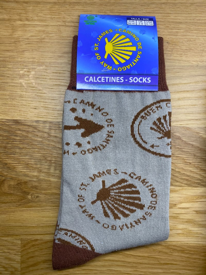 Camino Sock (brown with arrow and shell)