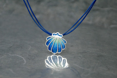 Shell pendant - Silver enamel, green to blue