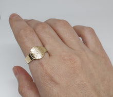 Load image into Gallery viewer, Women's Small Stater Ring
