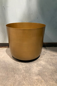 Planter on stand Gold