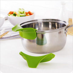 Silicone  Funnel Soup Diversion Mouth Cooking Tools Kitchen Accessories(Buy 1 Get 1 For Free)