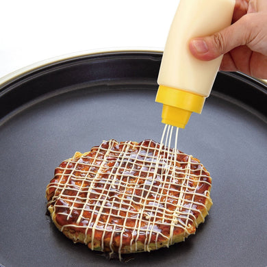 4 Holes Squeeze Sauce Bottle - Food Stylists Corner