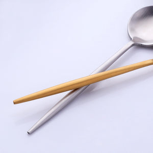 4 Small Coffee Spoons - Food Stylists Corner