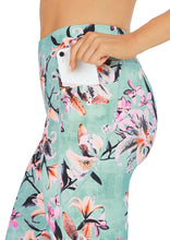 Load image into Gallery viewer, Abi & Joseph Winter Botanics Dual Pocket 3/4 Tight