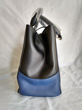 Load image into Gallery viewer, Besto V Blue & Black Purse - NEW