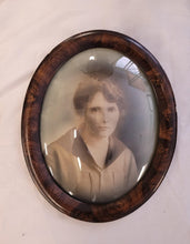 Load image into Gallery viewer, Antique Oval Framed Photo of a Women