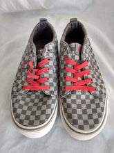 Load image into Gallery viewer, Vanns Off the Wall Gray and Black Checkered Shoes- Youth Size: 3