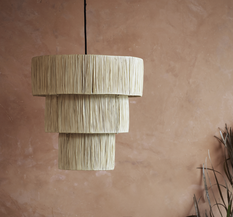 Shade for ceiling, iron/raffia