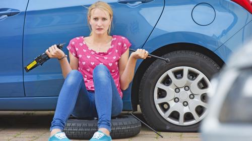 How to Change a Flat Tire Safely