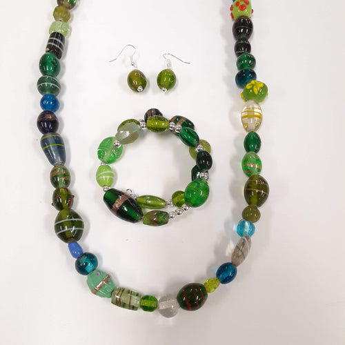 WATCH Resources Art Guild - Beaded Jewelry Set Bracelet Memory Wire, Dangle Earrings, and Necklace by Cesar Acosta