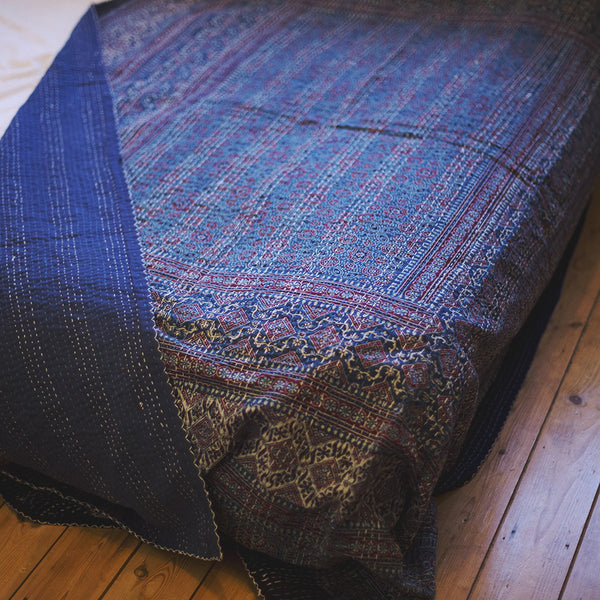 ajrak gudhri single cotton throw blue diamond