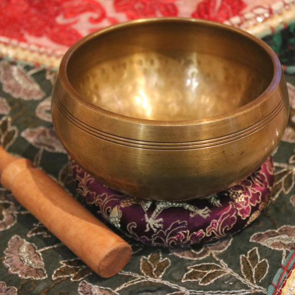 hammered effect singing prayer bowl from Nepal