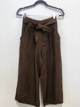 Load image into Gallery viewer, Pistache Gaucho Pant - Style D17P611