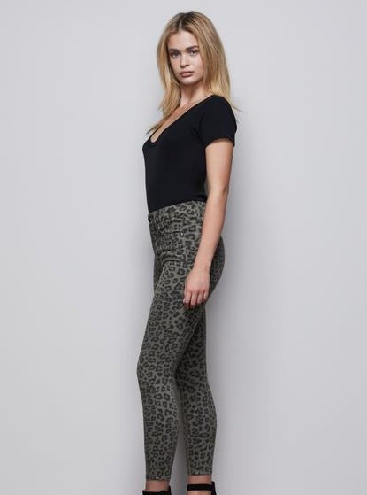 Good American Good Waist Crop in Sage Leopard