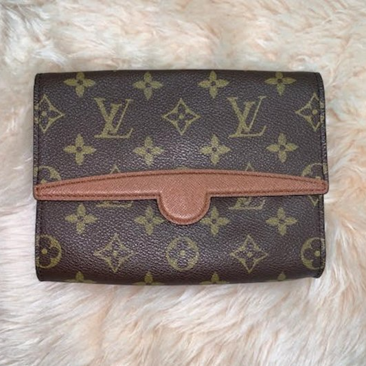 Louis Vuitton Arche Waist Bag