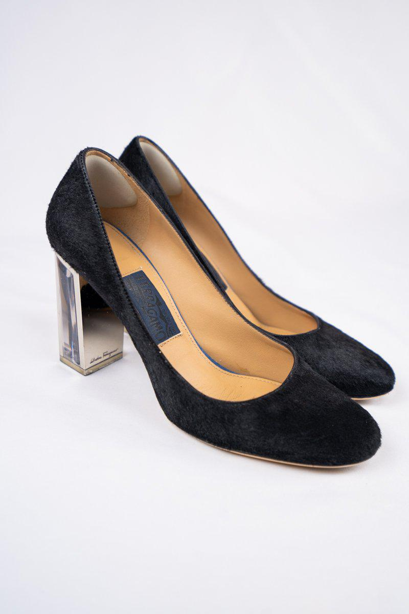 Salvatore Ferragamo Ninfea 85 in Black Suede
