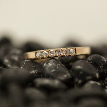 Load image into Gallery viewer, 6 stone gold ring
