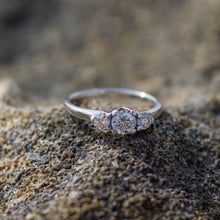Load image into Gallery viewer, Tri-stone diamond ring