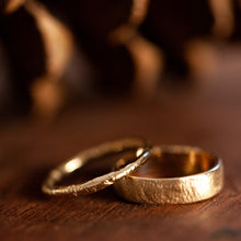 Load image into Gallery viewer, Raw wide & thin wedding rings