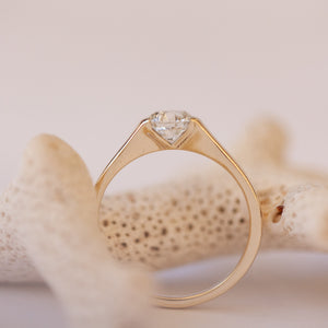 Open set gold ring