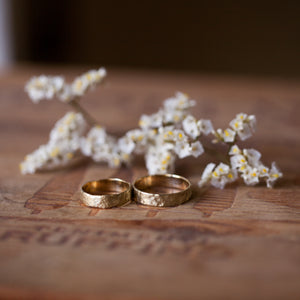 Raw & textured gold rings
